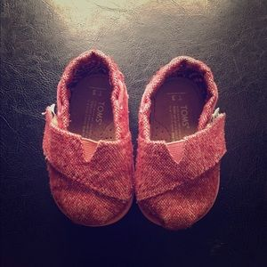 Baby girl Toms size T3